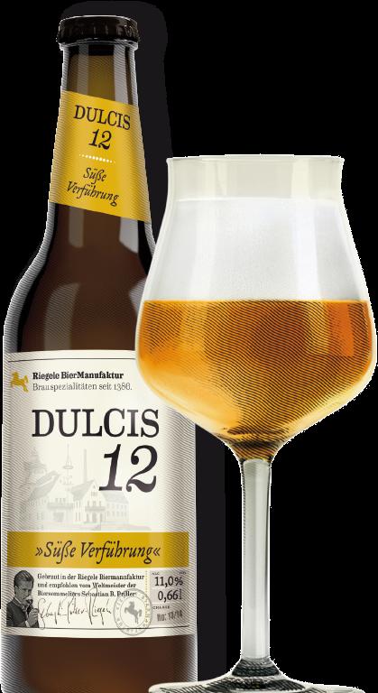 Hier ist eine Flasche Dulcis 12 mit einem Sommelierglas