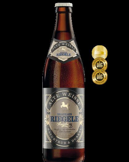 Hier ist eine Flasche Alte Weisse mit dem Medaillen, die das Bier gewonnen hat