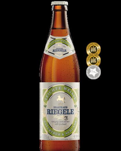 Hier ist eine Flasche Leichte Weisse mit dem Medaillen, die das Bier gewonnen hat